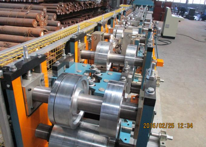Per Cutting Roll Forming Machine For Purlin , 100-305 Change Sizes Automatically