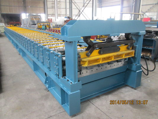 China High Precision Metal Roof Roll Forming Machine Solid Steel for Fabrication Building Roof supplier