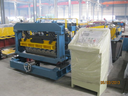 China 5.5KW Roof Tile Roll Forming Machine / Roof Tiles Making Machine supplier