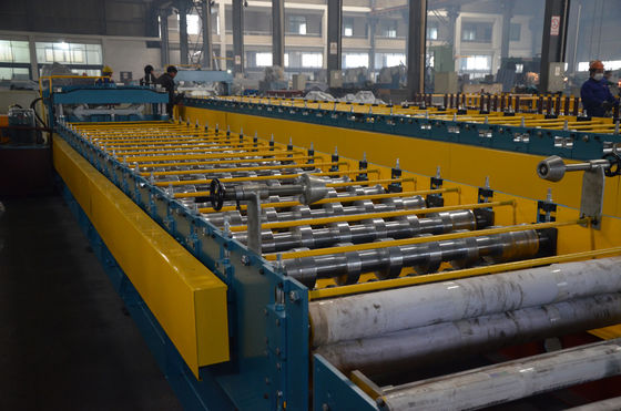 China European Standard Metal Roofing Roll Forming Machine for Aluminium Tile supplier