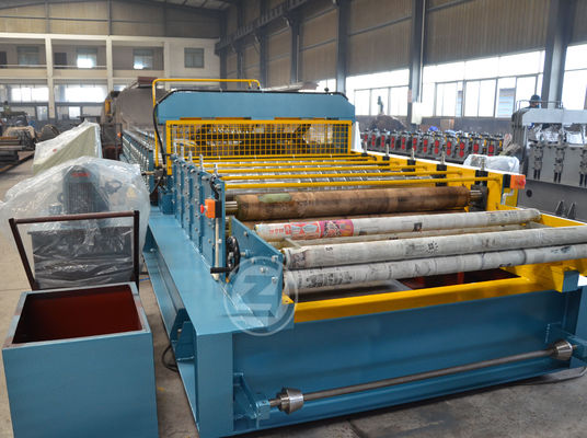 Customized Moving Adjustable Line Cold Roll Forming Machine With Mitsubishi PLC