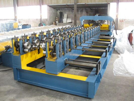 China 20m / min Sandwich Panel Cold Roll Forming Machine 380V 1300mm factory