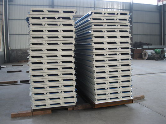 China Fireproof PU Sandwich Panel Insulation 50mm Thickness for Prefabricated House factory